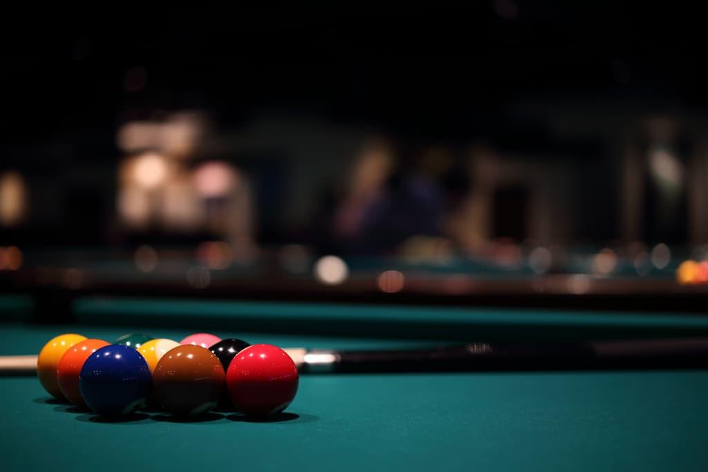 6822587-billiards